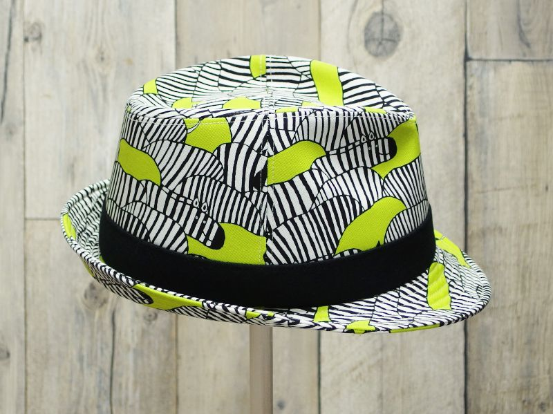 シマウマ中折れ帽子4