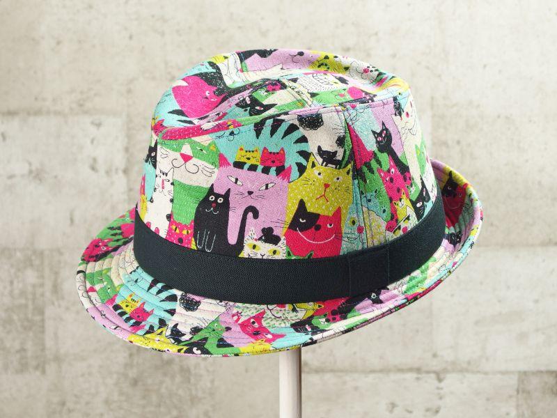 ネコだらけ中折れ帽子