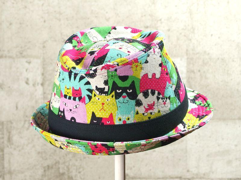 ネコだらけ中折れ帽子7