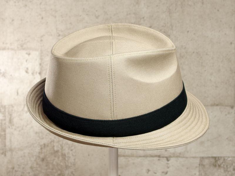 ベージュ中折れ帽子4