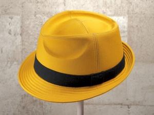 山吹色中折れ帽子