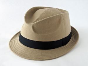 起毛ベージュ中折れ帽子1