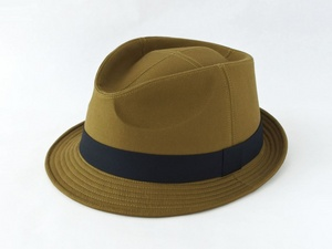 ライトオリーブ中折れ帽子